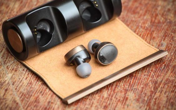 Small & Water-assistant Padmate PaMu Scroll Bluetooth Earphones Review